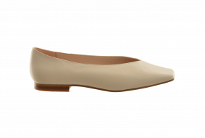 Saffron Browne Slip-On Square Toe Pump